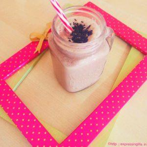 Chocolate Quinoa Smoothie Recipe - A Healthy Breakfast Alternative | Expressing Life